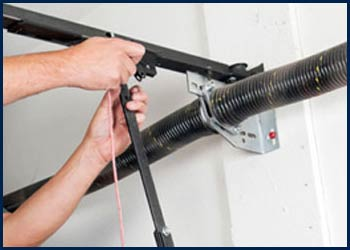 Garage Door Shop Repairs Chicago, IL 773-649-0955
